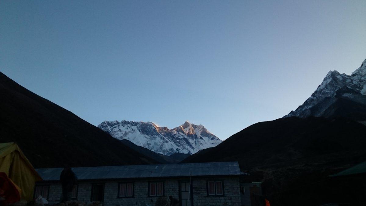 エベレスト本日の朝