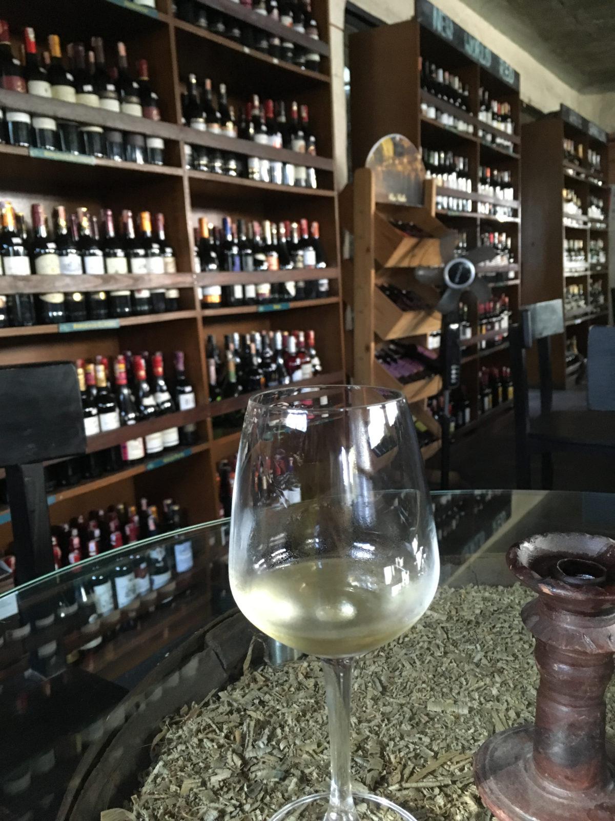 カトマンズのワインバー